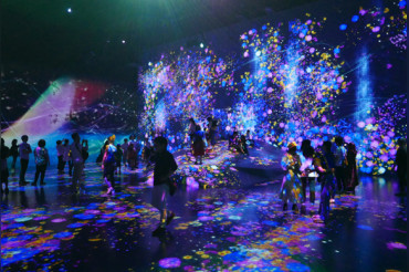 First Digital Art Museum opens in Tokyo, displays use light and motion sensors