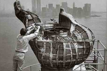 Clever engineering applied to transport the original torch from Statue of Liberty