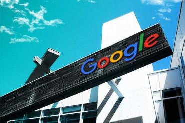 Google replies to angry customer who puts anti-Google posters