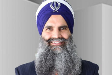 Indo-American 'Gurinder Singh Khalsa' to step in US Politics