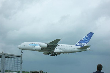 Airbus painfully decides to end production of A380