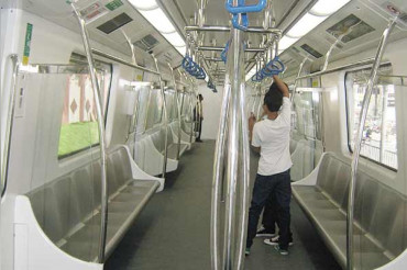 Delhi Metro to reduce announcements; owing to the complaints