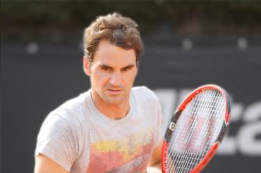 Roger Federer set for clay court return