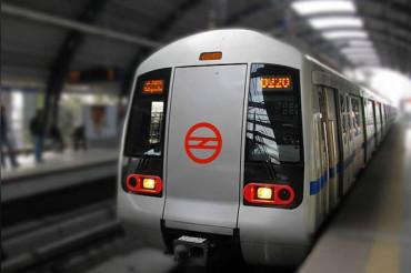 Woman dragged on platform after saree gets stuck in Metro door