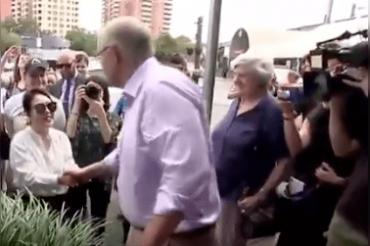 Australian PM greets woman in Chinese, she replies 'I'm Korean'