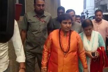 EC demands Pragya's reply on Karkare remarks