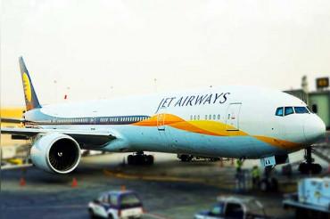 आज जेट एयरवेज ने 13 फीसदी बढ़त के साथ 'शेयर्स' को लेकर भरी उड़ान