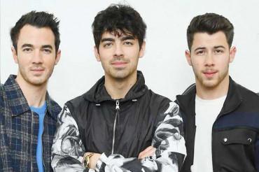Jonas Brothers announce new 'Happiness Begins' album