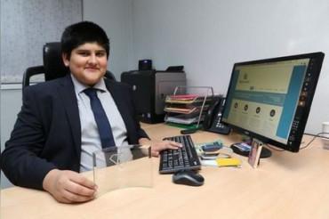 भारतीय मूल का रनवीर बना ब्रिटेन का सबसे युवा अकाउंटेंट, स्कूल में पढ़ते हुए खोली कंपनी