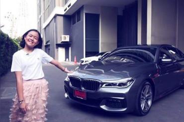 12 साल की यूट्यूबर ने खरीदी 1.5 करोड़ की कार