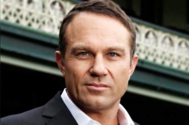 Former Australian opener Michael Slater removed from flight  for disruptive behaviour
