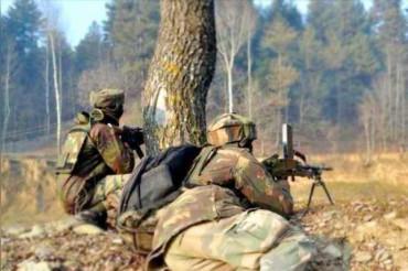 J&K: शोपियां में आतंकियों से मुठभेड़ जारी, सुरक्षाबलों ने घेरे 2-3 आंतकी