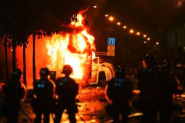 सूरत की इमारत में लगी भीषड़ आग, 12 बच्चो की मौत, राहत बचाव कार्य जारी