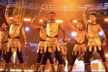 अमेरिकी रियलिटी शो जीतने के बाद, मुंबई के इस डांस ग्रुप पर बनने जा रही है फिल्म