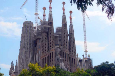 Gaudi's iconic Sagrada familia church gets building permit, 137 years after the work began