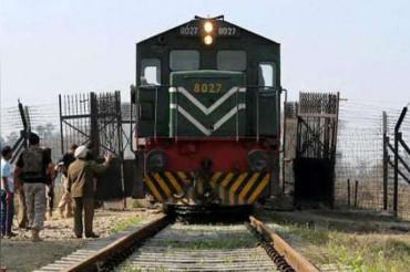 आरोप: भारत ने पाक से आ रहे 200 सिख यात्रियों को रोका..!