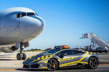 Planes in Bologna airport will now follow a Lamborghini
