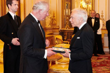 Ralph Lauren is 1st American designer to be honored with Knighthood