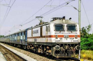 पहली बार ट्रेन में लगे CCTV कैमरे की फुटेज से दबोचे गए चोर, रेलवे की हो रही तारीफ