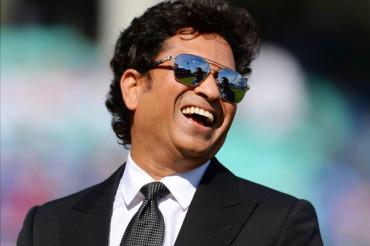 धोनी-जाधव की बैटिंग देख नाराज हुए 'क्रिकेट के भगवान', कही ये बड़ी बात..