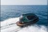 पानी के ऊपर तेज रफ्तार से दौड़ेगी 1.78 करोड़ की नाव, 114 किमी की देगी रफ्तार